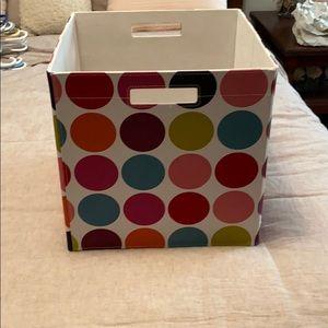 Foldable storage bin